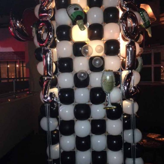 Balloon Wall Covering Column